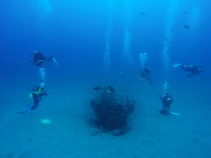 ゼロ戦。日の入りギリギリでのエキジットでしたが、透明度のおかげで明るい海を楽しめました!