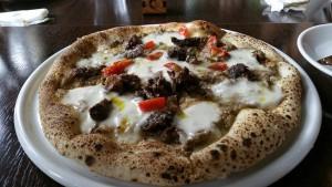 西部林道でヤクシカ、ヤクサルを楽しんだあとは・・・イルマーレでヤクシカのピッツア・ヴェナスン。美味しかった!
