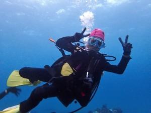 自由自在に泳ぐちびっ子体験ダイバー!