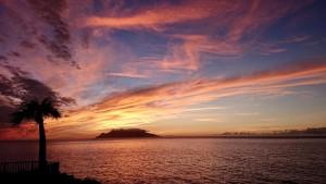 台風9号接近前の夕陽。(ご近所さん撮影)