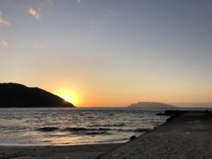 屋久島に帰って眺めた夕陽と口永良部島