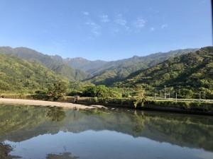下山後、永田集落から見た永田岳!